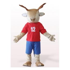 brown-deer-en-ropa-de-color-rojo-de-lujo-vestido-de-traje-mascota161534765