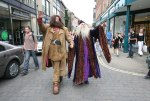 Hagrid-Dumbledore-catch-attention-of-passers-by-as-they-w