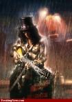 Slash-Playing-Guitar-in-the-Rain---87842