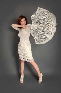 MORRA DE BLANCO CON PARASOL, TODO DE ENCAJE White Exclusive crochet dress2