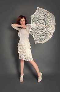 MORRA DE BLANCO CON PARASOL, TODO DE ENCAJE White Exclusive crochet dress2