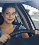 MUJER JOVEN MANEJANDO driving-classes