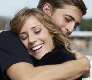 [imagenes.4ever.eu] pareja en abrazo, pareja feliz, sonrisa 159415