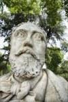 2232551-close-up-de-la-estatua-del-hombre-con-barba-en-roma-italia
