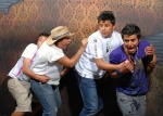 CUATRO HOMBRES ASUSTADOS