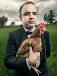 executivo-con-gallina